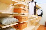 Как переоборудовать гардеробную из кладовки: общие принципы работы